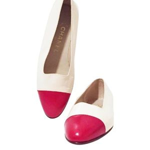 Stunning red tip Chanel flat shoes